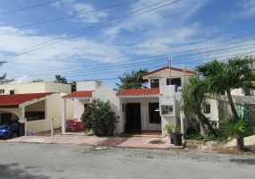 4 Bedrooms, House, For Sale, 4 Bathrooms, Listing ID 21217, Isla Mujeres, Quintana Roo, Mexico,