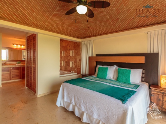 Isla Mujeres, Quintana Roo, Mexico, 2 Bedrooms Bedrooms, ,2 BathroomsBathrooms,Condo,For Sale,21249