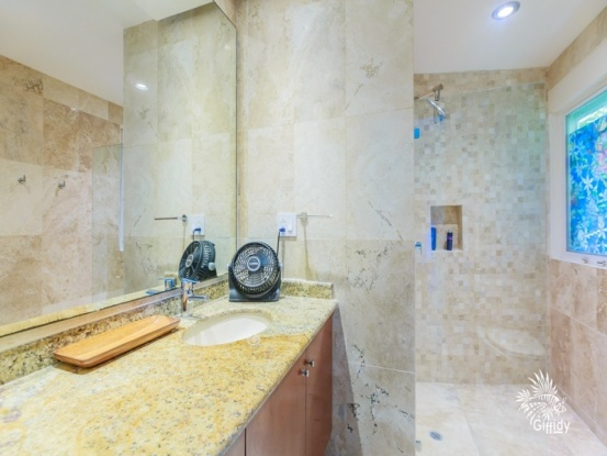 Isla Mujeres, Quintana Roo, Mexico, 3 Bedrooms Bedrooms, ,2 BathroomsBathrooms,Condo,For Sale,21297