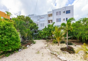 Isla Mujeres, Quintana Roo, Mexico, 2 Bedrooms Bedrooms, ,2 BathroomsBathrooms,Condo,For Sale,21301