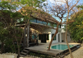 Isla Mujeres, Quintana Roo, Mexico, 3 Bedrooms Bedrooms, ,2 BathroomsBathrooms,House,For Sale,21310