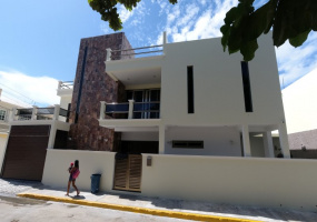 Isla Mujeres, Quintana Roo, Mexico, 3 Bedrooms Bedrooms, ,3 BathroomsBathrooms,House,For Sale,21348